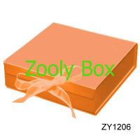 Read more: Orange Folding Box with Ribbon
